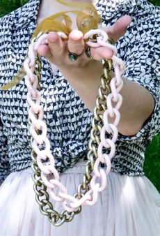 DIY: Painted Chain Statement Necklace