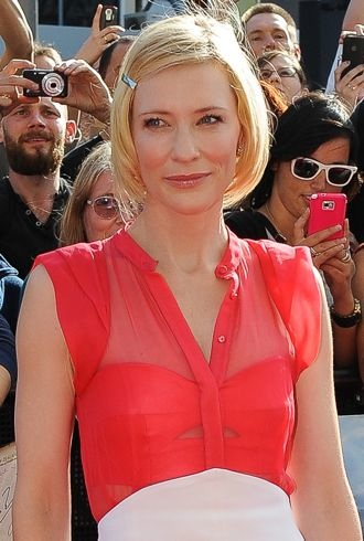 Cate Blanchett World Premiere of The Hobbit Wellington New Zealand cropped