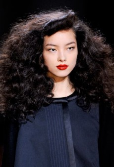 Embrace Your Frizz: 8 Inspiring Ways to Wear Curly Hair This Fall
