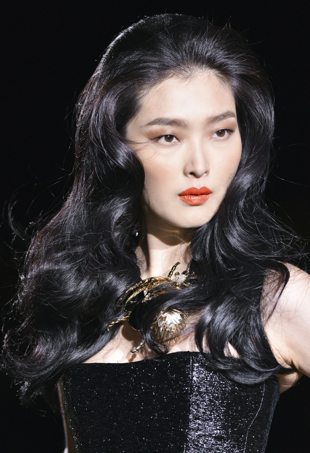 runway beauty image DSquared spring 2014