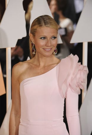 Gwyneth Paltrow Oscars 2015 red carpet