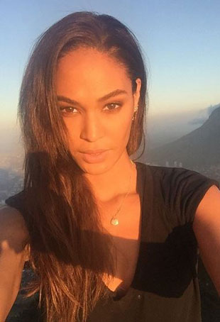 joan-smalls-selfie-beauty