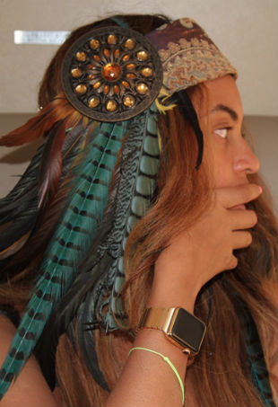 Beyonce gold Apple Watch