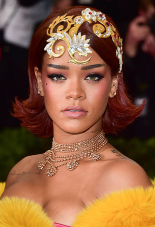 rihanna-hair-makeup-2015-met-gala-met-ball