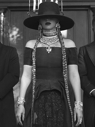 """Beyoncé in the """"Formation"""" music video."""