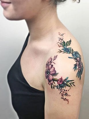 Stylish shoulder tattoos