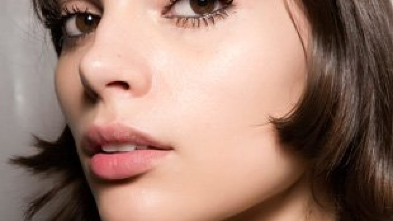 Plum Seed Oil Benefits for Skin and Hair - theFashionSpot
