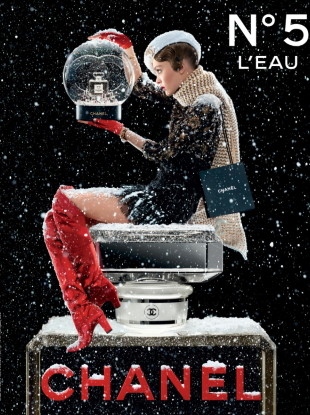 Chanel 'No. 5 L'Eau' Fragrance Holiday 2019 : Lily-Rose Depp by Jean-Paul Goude