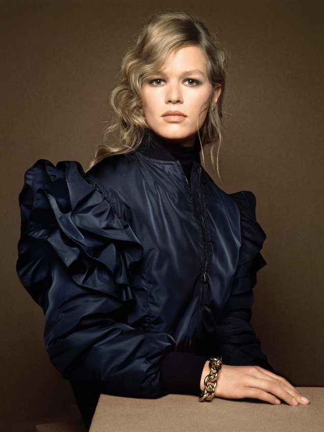 Max Mara F/W 2020.21 : Anna Ewers by Brigitte Niedermair