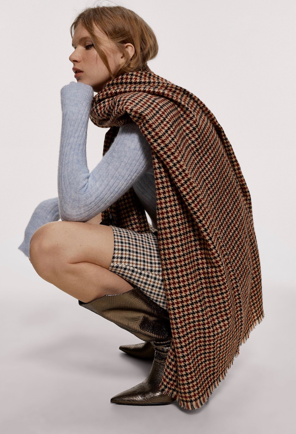 10 Oversized Winter Scarves To Get Wrapped Up In This Season Thefashionspot