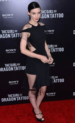 Rooney Mara The Girl With The Dragon Tattoo New York Premiere Dec 2011