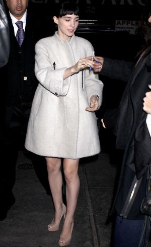 Rooney Mara arrives at NBC Today show New York Dec 2011