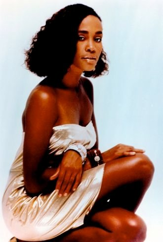 Lost Legend: Remembering Whitney Houston's Style ...