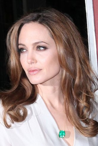 Angelina Jolie Look Of The Day Elegant Simplicity