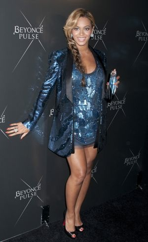 Beyonce Knowles at the Beyonce Pulse fragrance launch New York City Sept 2011