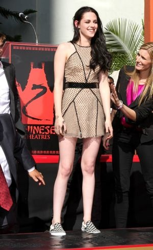 Kristen Stewart Hand and Footprint Ceremony Los Angeles Nov 2011