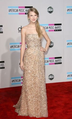 Taylor Swift 2011 American Music Awards Los Angeles Nov 2011