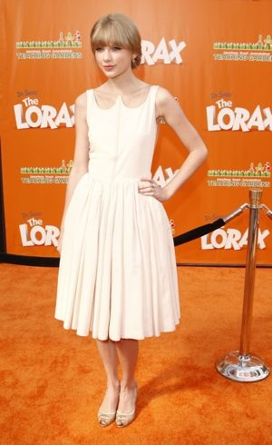 Taylor Swift premiere of The Lorax Los Angeles Feb 2012