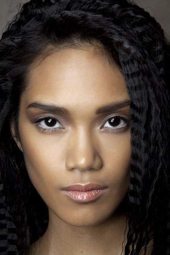 Highlighting and Contouring for Dark Skin: How To - theFashionSpot