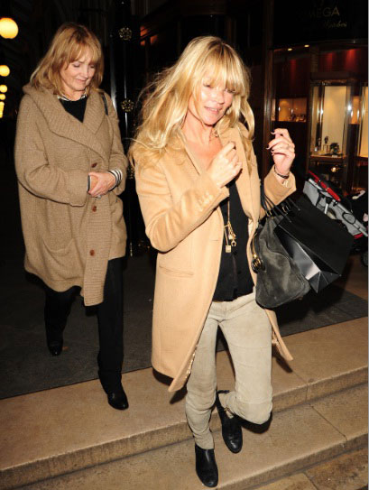Kate Moss and mum Linda