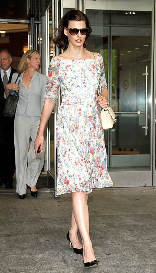 Linda Evangelista exiting Family Court in Manhattan