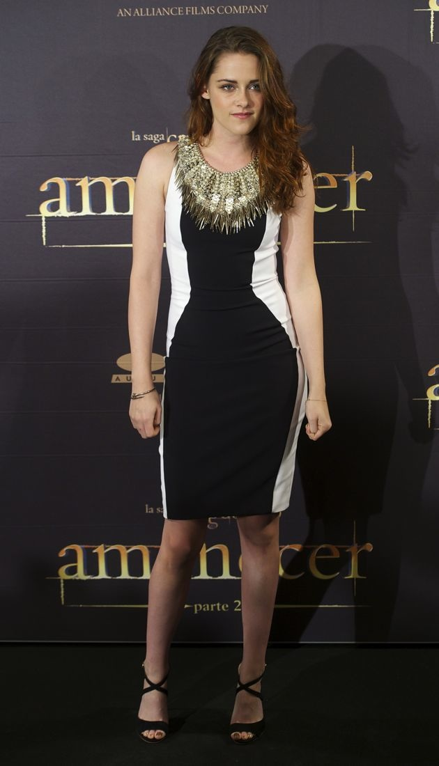 Look Of The Day Kristen Stewart Covers Up In Julien Macdonald Thefashionspot