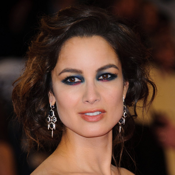 Step out of the box with berenice marlohes suprising smoky eye