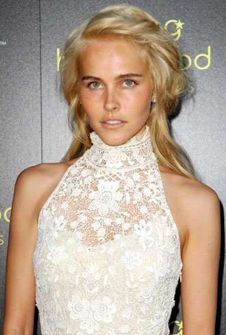 Style Icon Isabel Lucas TheFashionSpot