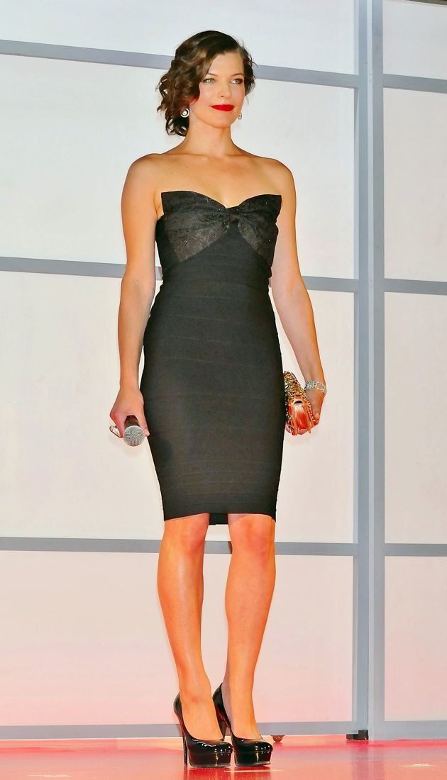Look Of The Day Milla Jovovich Premieres Resident Evil In ERIN By Erin Fetherston Bandage Dress