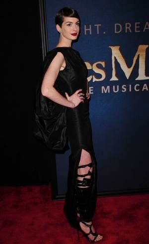 Anne Hathaway Les Miserables New York Premiere Dec 2012