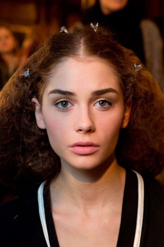 L'Wren Scott Fall 2013 beauty look by Bobbi Brown