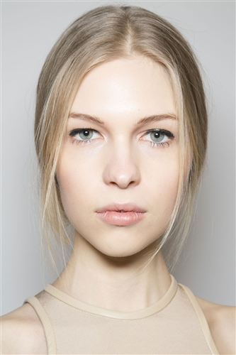 What is BB Cream? Picture of model wearing bb cream